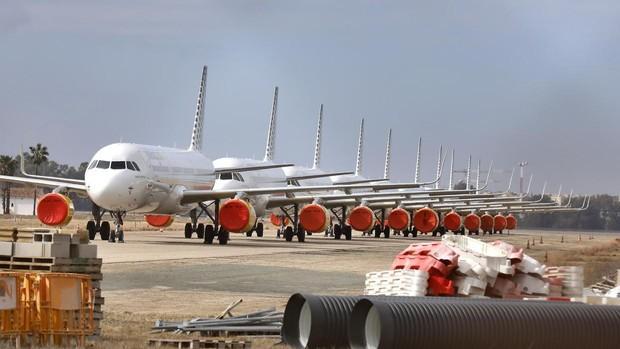 Aviones paralizados por el Covid-19