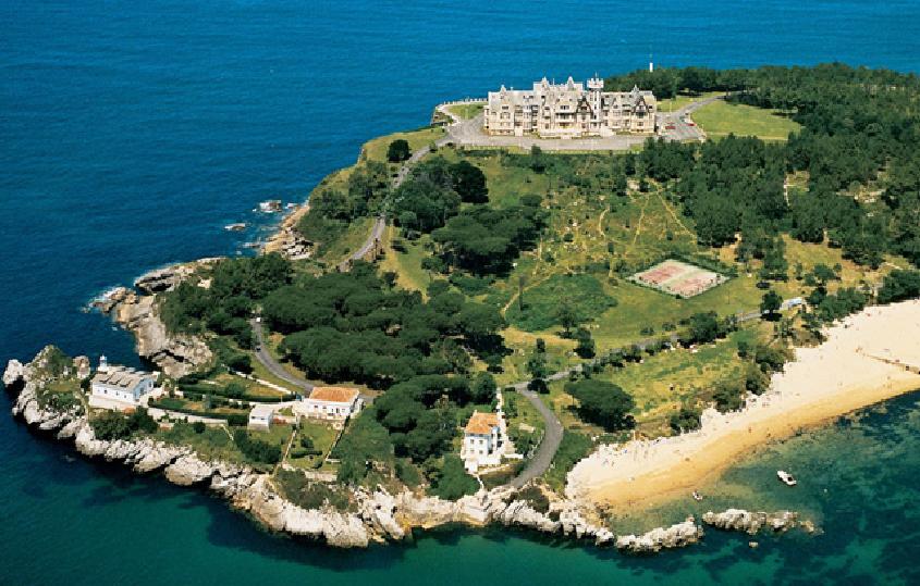 Vista aérea del palacio de la Magdalena (Santander)